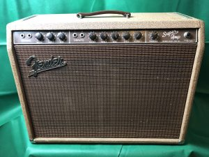 "<span class=""entry-title-primary"">Fender Super Amp (1960)</span> <span class=""entry-subtitle"">3750,-€</span>"