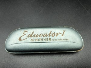 "<span class=""entry-title-primary"">Hohner Educator I</span> <span class=""entry-subtitle"">30,-€</span>"
